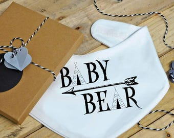 Baby bear bandana bib - dribble bib, feeding bib, drool bib, baby shower gift, baby boy, baby girl, new baby, newborn gift, nordic, arrow