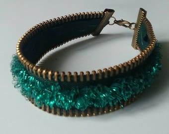 Green fantasy bracelet made with a zipper