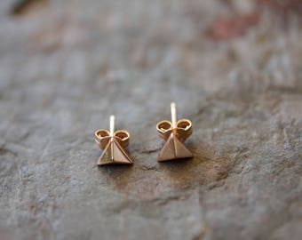14k rose gold plated on sterling silver pyramid