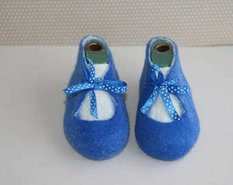 Baby shoes baptism christening soft warm baby booties Infant shoes Felted wool booties
