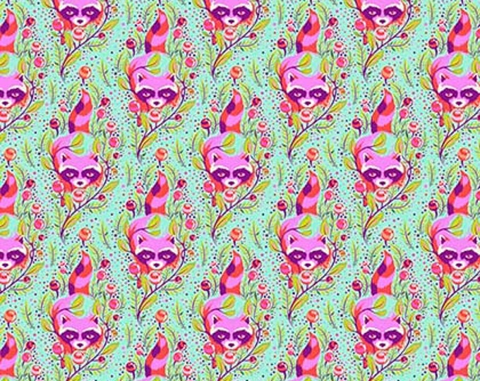 Tula Pink All Stars - PWTP037 Poppy Raccoon - 1/2yd