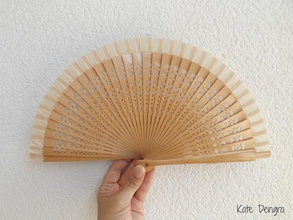 Sml Plain Fret Natural Wooden Hand Fan