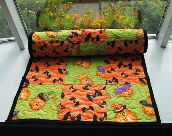 Handmade Quilted Table Runner Halloween Green Orange Bats Pumpkins