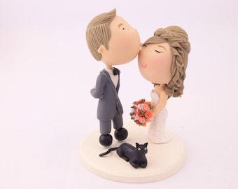 Cute couple kiss with pet cat. Wedding cake topper. Wedding figurine. Bride and Groom. Handmade. Fully customizable. Unique keepsake