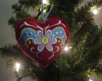 Scandinavian heart ornament