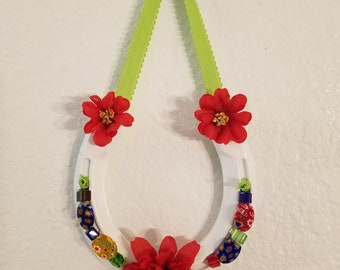 Lucky Horse Shoe with Flower Glass beads and red flowers