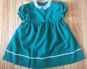 Vintage 1970s Girls Handmade Green Lace Dress! Size 3-4