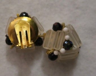 VINTAGE CLIP ON earrings black white clear jewels stone art deco style Hong Kong