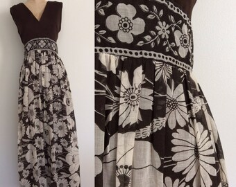 "1970's Brown Polyester Top & Cotton Floral Bottom Dress Maxi Floor Length Dress Size Large 30"" by Maeberry Vintage"