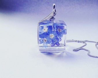 Forget me not pendant.r