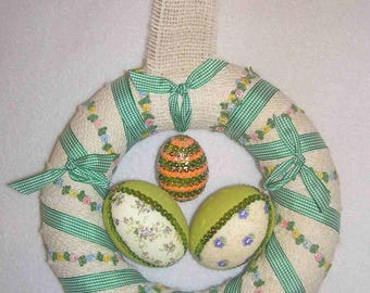 Easter: Small wreath with egg sequins/fabric