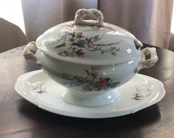Antique 19th Century Haviland and Co. Limoges Anchor Cable Gravy Boat with Lid and Attached Saucer