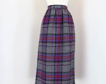 """70s 1980s Skirt - Plaid Midi Skirt - Grey Purple Black Red - Mad Men Style - 100% Wool - Fully Lined - Pockets - Size Small 27"""" Waist"""