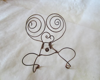 venus figurine recliner for creating day dreams (wire chair sculpture)