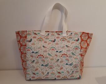 Medium sized tote bag