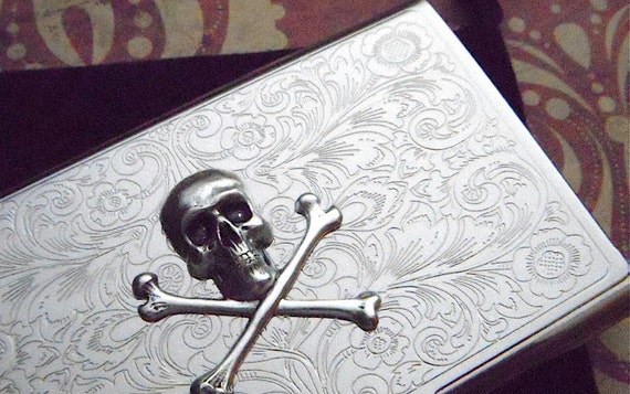 Business card case skull crossbones antique vintage inspired business card case skull crossbones antique vintage inspired most popular gothic victorian pirate metal wallet silver plated card case colourmoves Choice Image