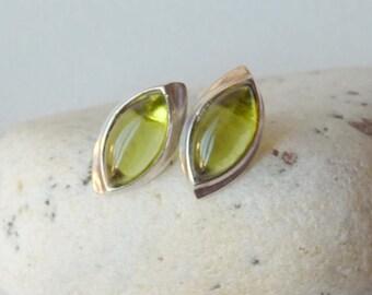 Peridot Sterling Silver Stud Earrings, Vintage Green Gemstone Earrings, Peridot Stud 925, Modern Natural Peridot Earrings August Jewelry 925