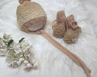 Knitted baby clothes Baby bonnet and booties Hand knitted baby set Baby knitted clothes Newborn hat with pompon Hand knit Hats and booties