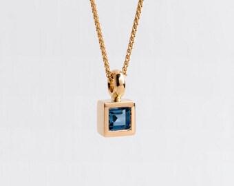 Blue Sapphire Pendant 18k Gold Necklace, Square Sapphire Necklace Minimal Saphire, Solitaire Sapphire Bezel, Blue Birthstone