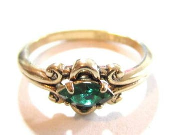 Solitaire Green Marquise Cut Rhinestone Vintage 14K Ge Espo Gold Plate Ring*S786