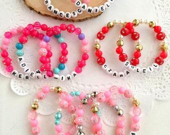 Personalized bracelet, name bracelet, Set of TEN. Kids birthday party favor, unique name bracelet, kids jewelry, kids bracelet, beaded.