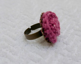 This beautiful ring with a crochet flower