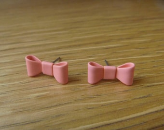 chip on pink bow Ribbon earrings