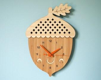 Happy Acorn Clock: Wood Bamboo Acorn Clock Kawaii Kitchen Office Decor