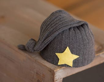 Newborn Hat, Newborn Boy Hat, Newborn Star Hat, Gray Newborn Hat with Yellow Star, Newborn Sleepy Time Cap, Newborn Photo Prop, Photography