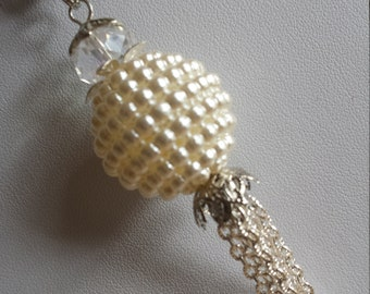 """Pendant 1 """"ball with teeth acrylic pearly white + silver chain"""" - 2.5x11cm"""