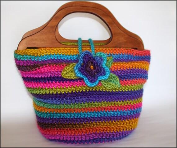 Bohemian Handbag With Wooden Handles And Flower Button Crochet