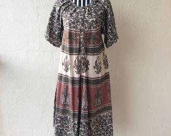 Vintage Indian Midi Dress / Cotton / Gypsy / Boho / Bohemian / Hippy / Free Size / Oversize /