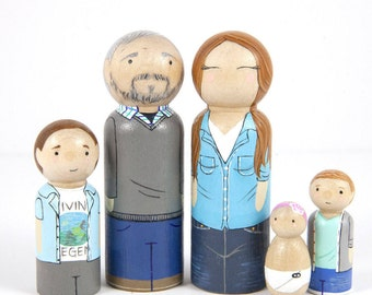 Custom Gift - Personalized Peg Doll Family - Custom Family Portrait - Dollhouse Family - Mothers Day Gift - Peg Dolls - Family Gift -For Mom