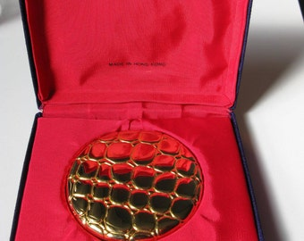vintage powder compacts / ESTEE LAUDER Powder Compact Golden Alligator Pattern Collectible