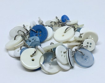 Bracelet recycled buttons blue and white
