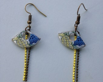 Earrings resinees fan, printed floral Art Nouveau.