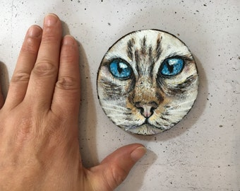 Meow! Siamese cat on wood - wooden disk painted with acrylic paint