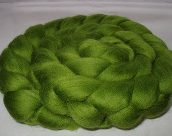 Merino wool roving, merino roving, roving wool, spinning fiber, merino felting wool, dreads, dolls hair, LEAF GREEN, green roving,3.5oz,100g