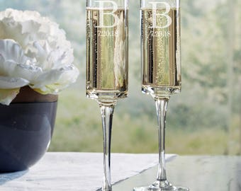 Modern Style Wedding Toasting Flutes (set of 2) - Free Personalization, e101-1611