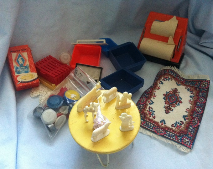 Vintage Convolute Doll Houses accessories etc.