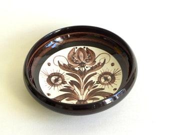 Vintage studio ceramic bowl, handpainted