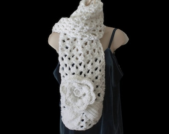 Chunky Crochet Scarf, White Neckwarmer, Bridal Scarf, Winter Fashion Scarf, Chunky Scarf, Winter Trend, Womens Winter Scarf, Wedding Scarf