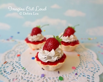 Fake Cake Tart Tartelette Mini Dessert Strawberry Shortcake Cream TRIO