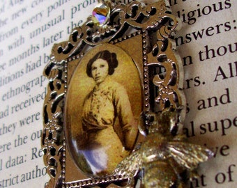 Steampunk Star Wars (N713) Princess Leia Portrait 2, Silver Plated Frame and Chain, Bee and Swarovski Crystal