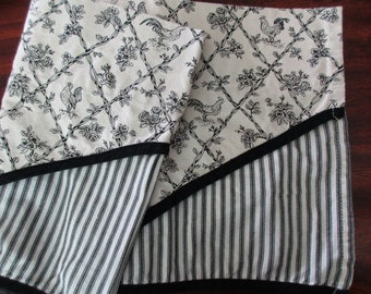 cotton WAVERLY Garden Room valance-curtain, floral, black and cream, striped, roosters