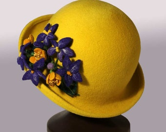 Elegant cloche hat felt hat with Violets