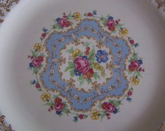 Fabulous Limoges Lyric 22K Gold Filigree Dinner Plate         This is for ONE plate