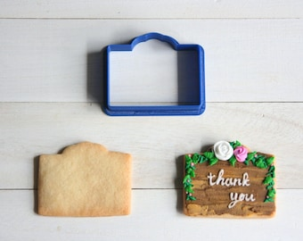 Name plate cookie cutter