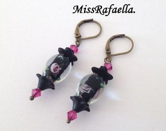 Japanese style earrings crystal Lampwork black and pink.