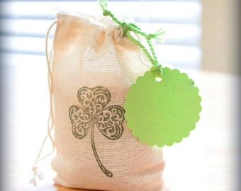 St. Patrick's Day Shamrock 6 bag with tag muslin cotton stamp gift sack party wedding clover